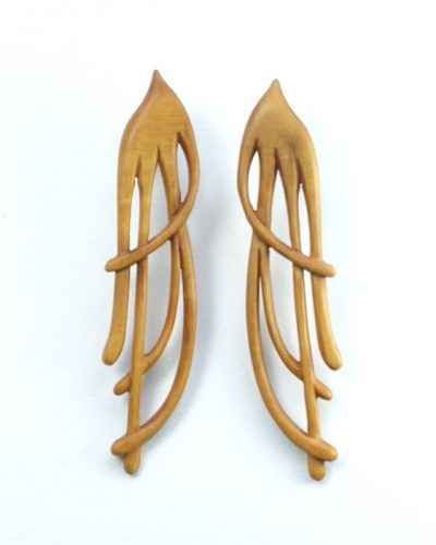 tendril earrings in boxwood