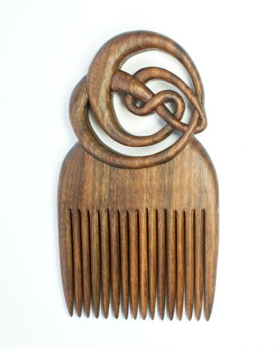 MacOriental comb in walnut