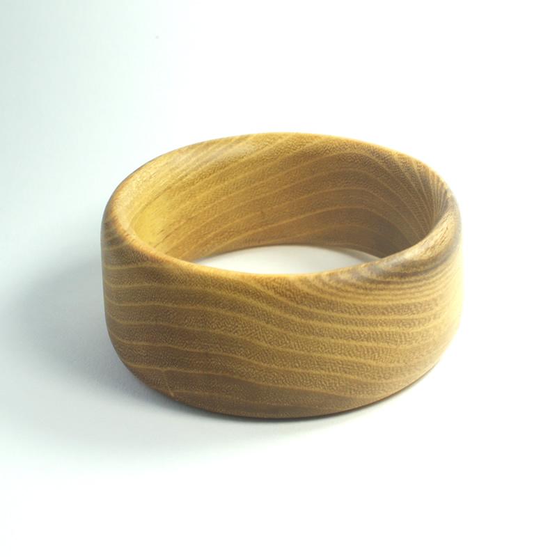 bangle-in-acacia