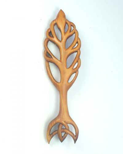 elven-tree-kilt-pin-yew
